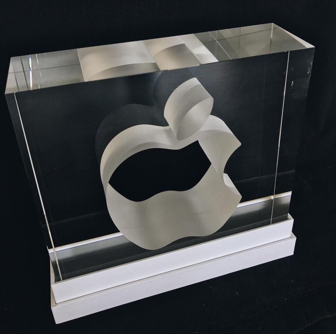 Cena pro zamestnance Apple sklo