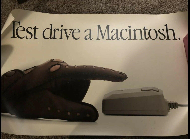 Stary plakat na Apple produkt