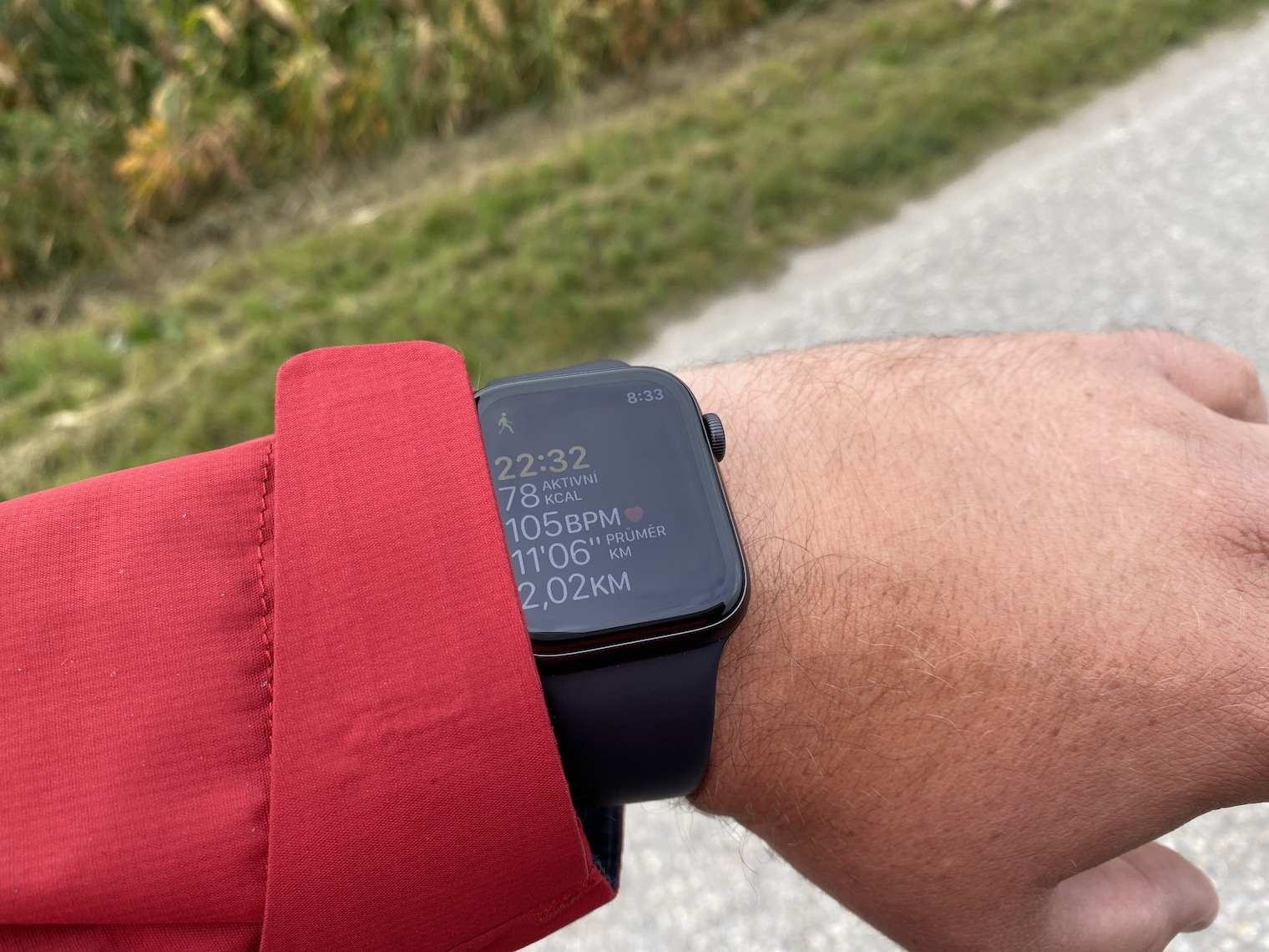Apple Watch Series 5 s displejem v režimu AlwaysOn