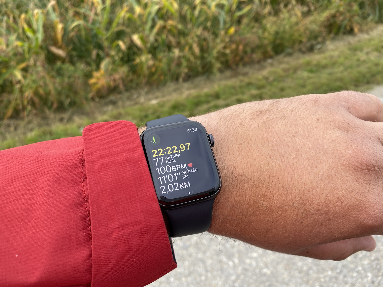 Apple Watch Series 5 se zapnutým displejem
