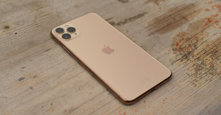 Recenze iPhone 11 Pro Max - More and more iPhone 11 (Pro) owners are complaining about the green screen