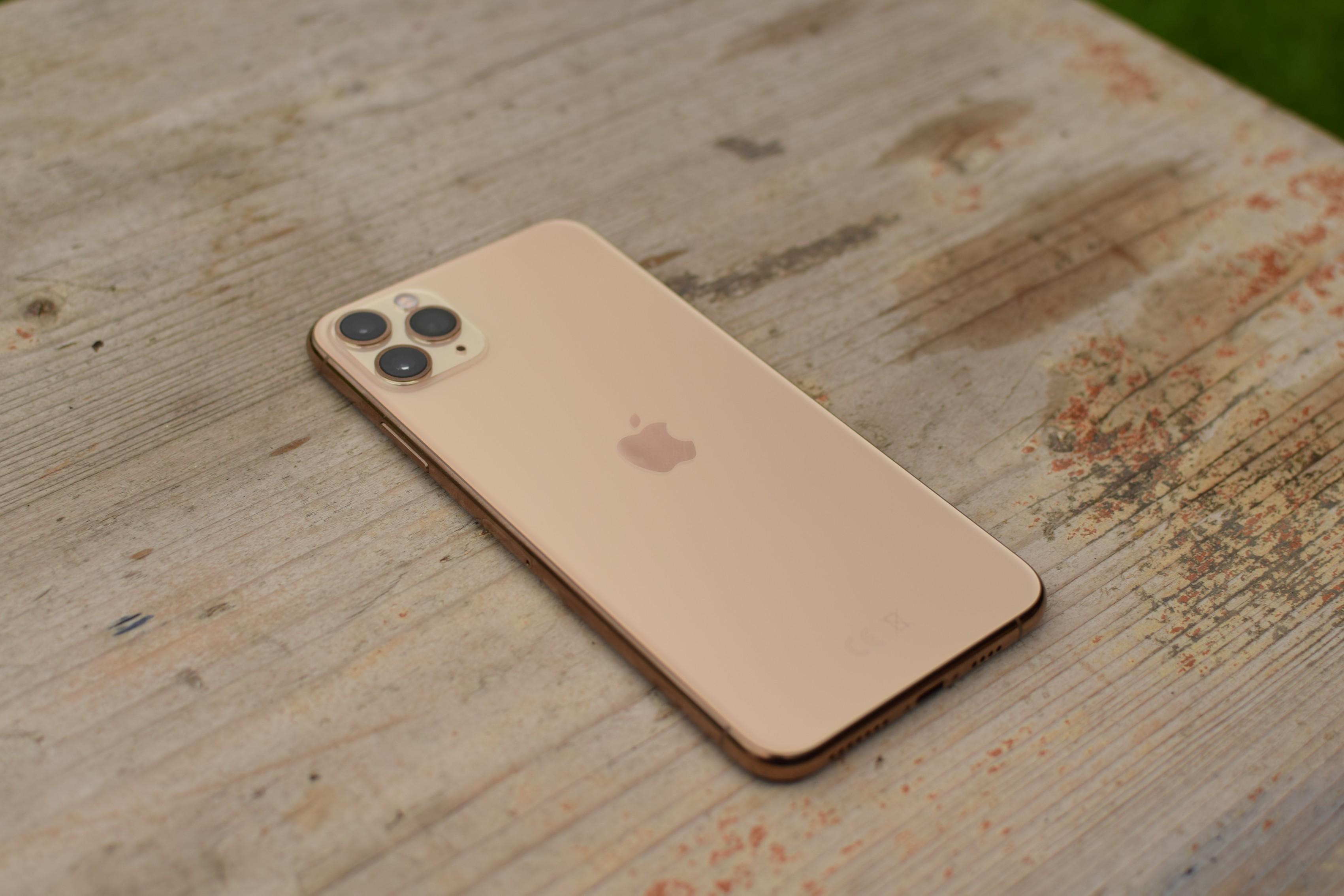 iPhone 11 Pro Max zezadu