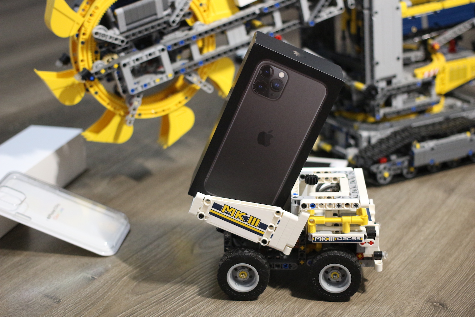 iPhone 11 Pro krabicka