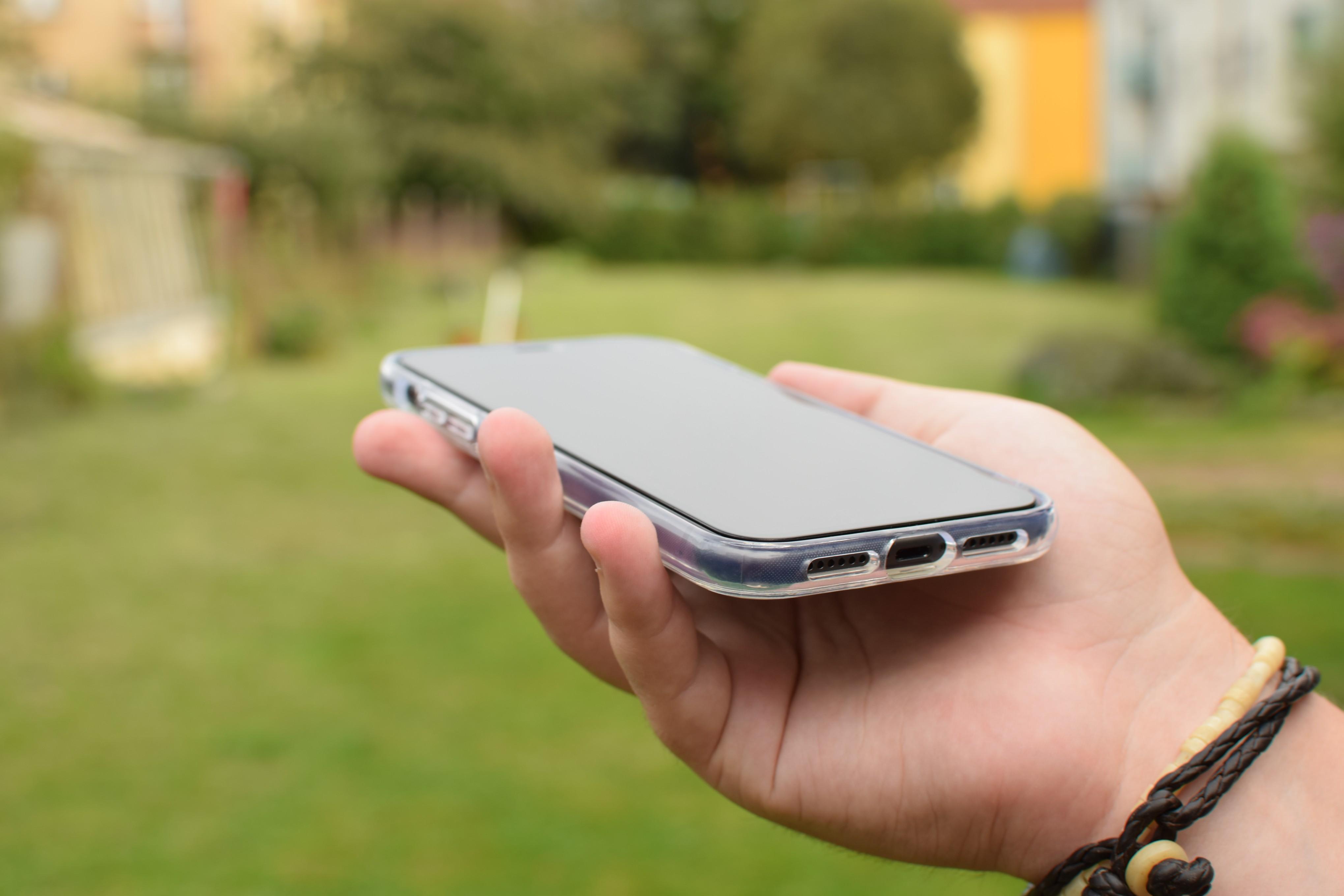 Nalepené sklo PanzerGlass Premium na iPhonu 11