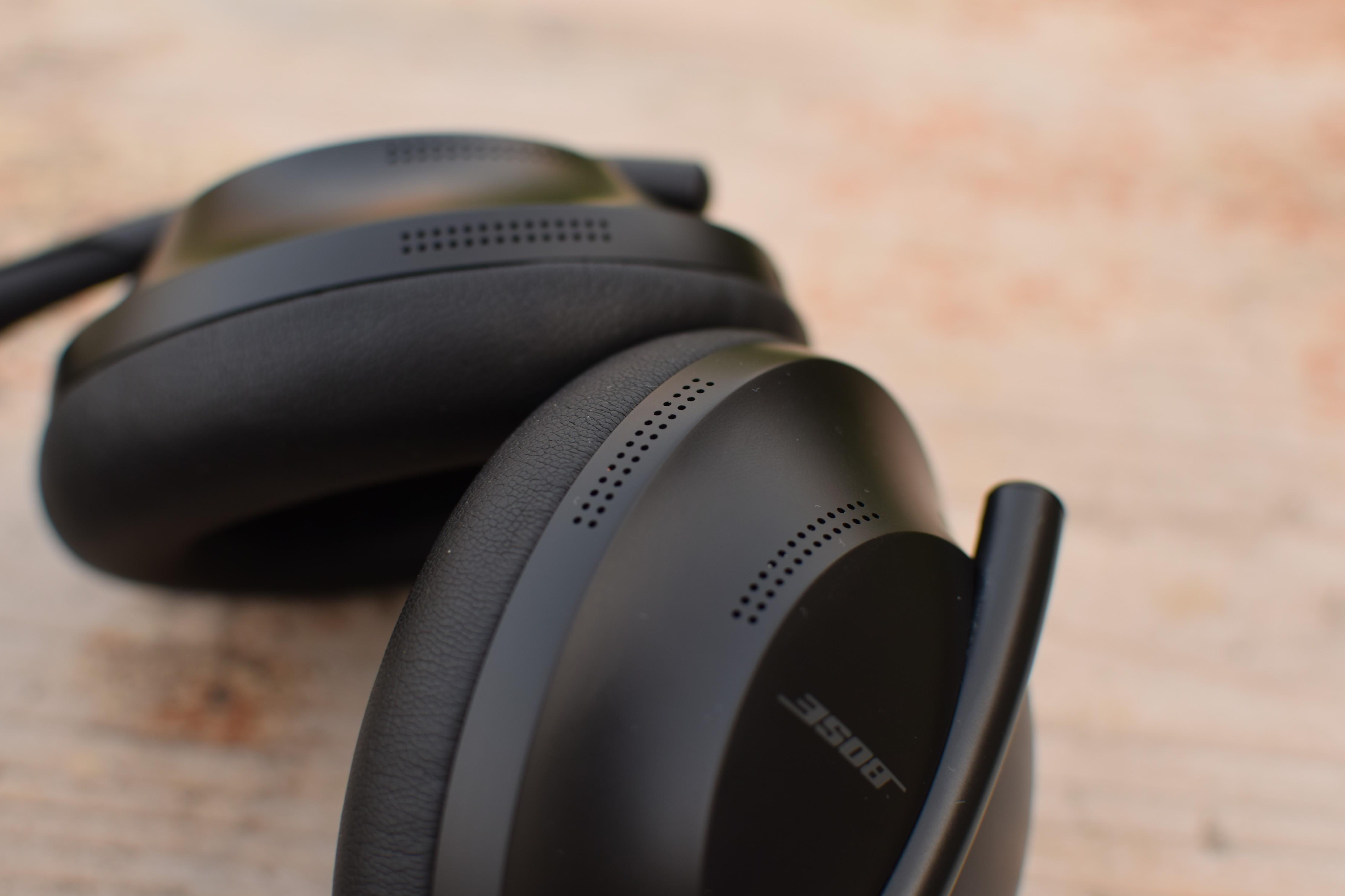 Mikrofon sluchátek Bose Noise Cancelling Headphones 700