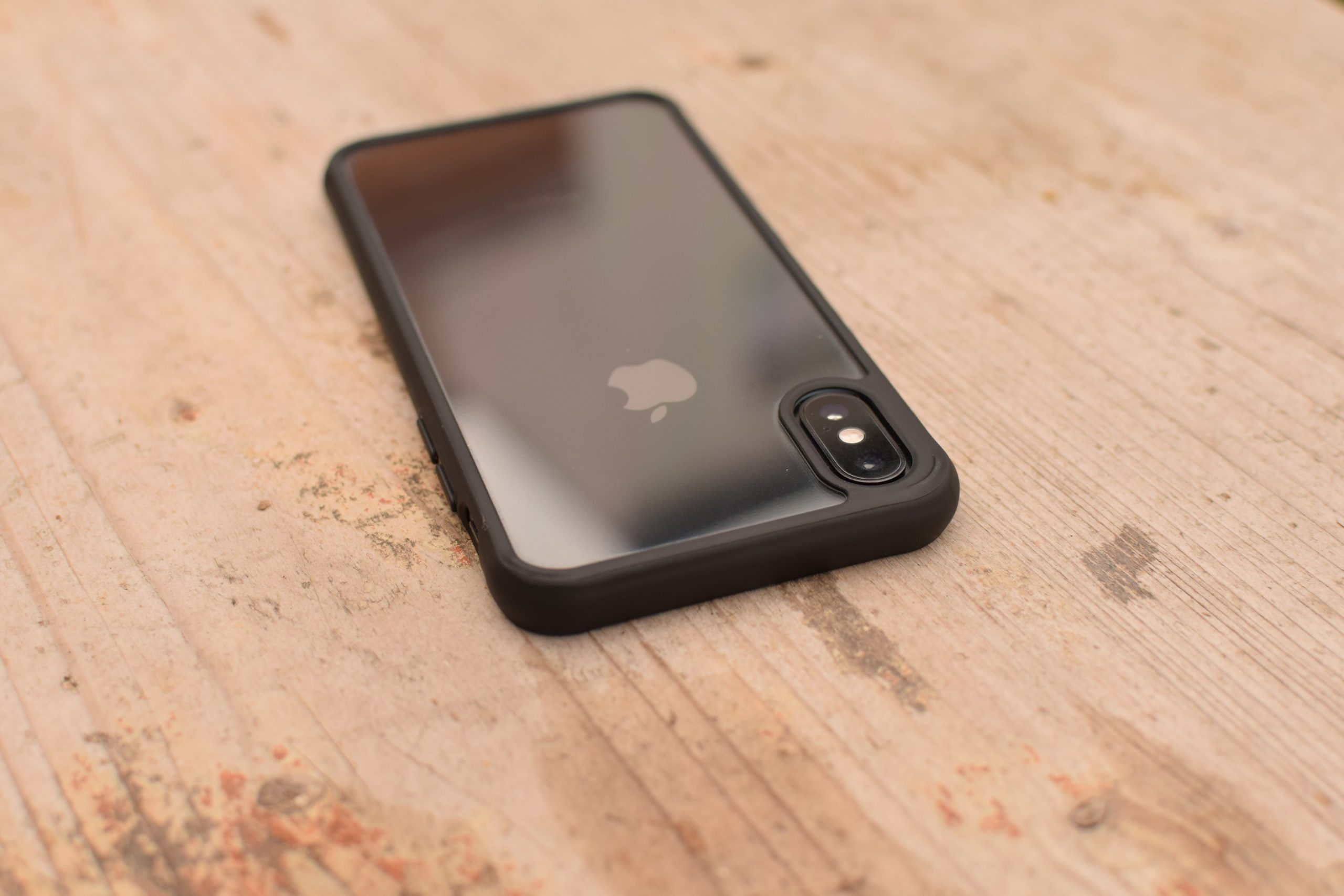 ClearCase Black Edition na iPhonu