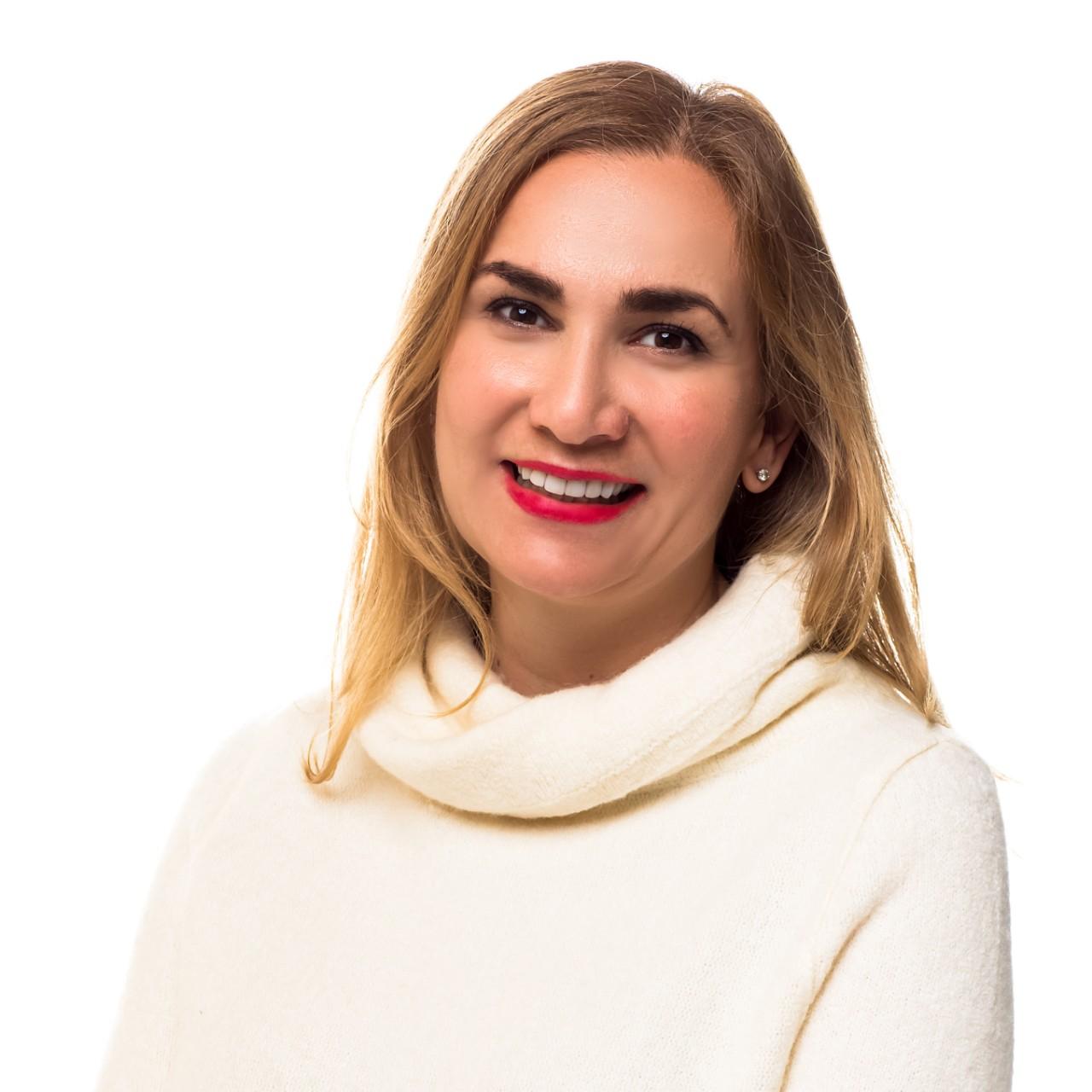 Debbi – Viceprezidentka