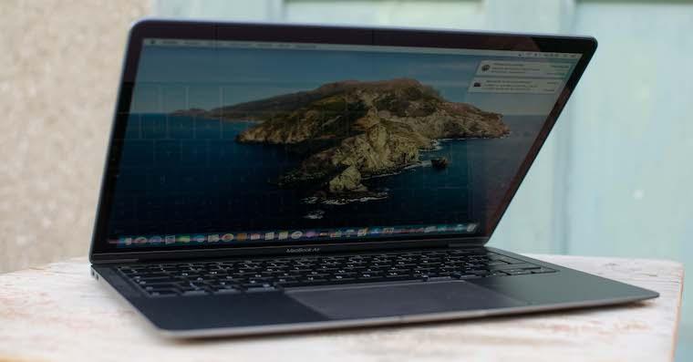 MacBook Air 2020 recenze